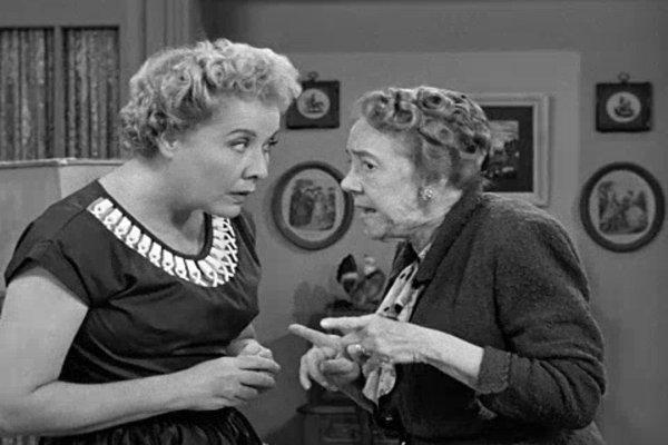 I Love Lucy - Season 1 Episode 25 - Watch Movies Online