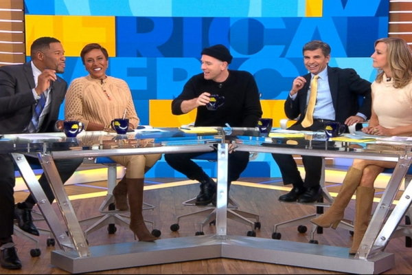Good Morning America Hulu : Good morning america is exchanging phone numbers dead